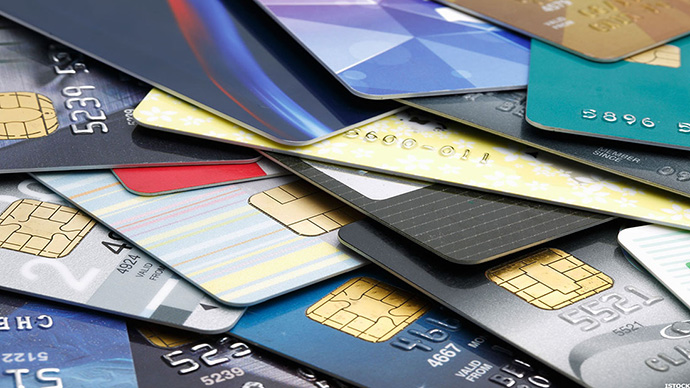 How to Find the Right Credit Card for Your Teen